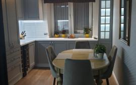 Кухня из натурального ясеня с рамочными фасадами