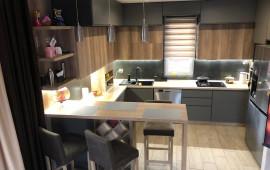 На фото кухня в современном стиле с двухконтурным газовым котлом. Материал: ✴Корпус ЛДСП дуб каньон