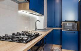 Синяя кухня на заказ в Калининграде